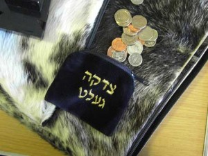 Jewish Americans Win Alms Race – New research finds Jews are more likely to give to charity.