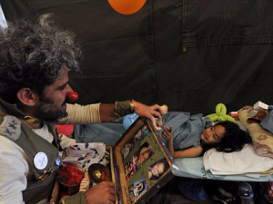 Israeli Medical Clowns Try to Ease Nepal Quake Trauma