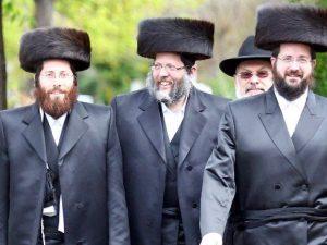 Hasidic Jews In Williamsburg Brooklyn Push Stuck FDNY Ambulance Through the Snow!